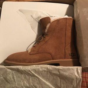 NWB Ugg Quincy Boot